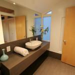 Jakie meble łazienkowe – prysznic czy wanna?